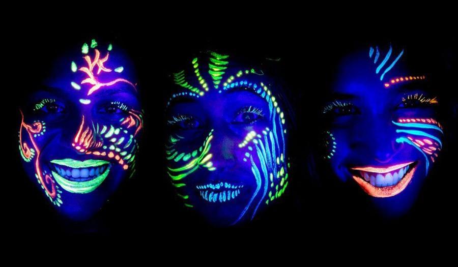 Discoteca per bambini con colori fluorescenti al buio ad arezzo, siena e firenze