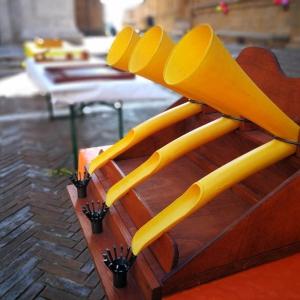 antichi giochi in legno a noleggio per bambini a firenze