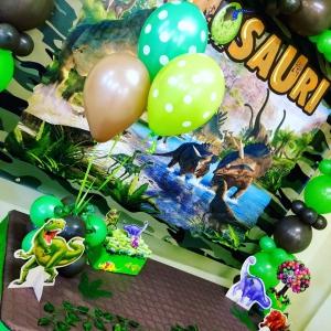 Festa a tema Dinosauri, allestimento palloncini