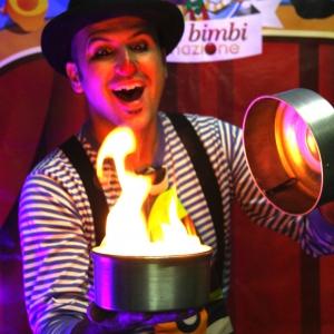 animatore spettacolo di magia feste compleanno bambini firenze