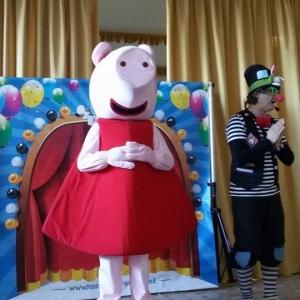 noleggio mascotte peppa pig per feste bambini firenze siena